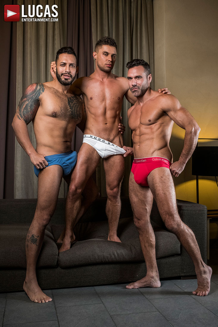 Alpha Tops Viktor Rom And Manuel Skye Use Klim Gromov's Hole - Gay Movies - Lucas Entertainment