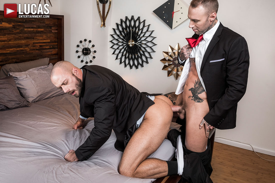 Jessie Colter Takes Raw Dick And Toys From Dylan James - Gay Movies - Lucas Entertainment