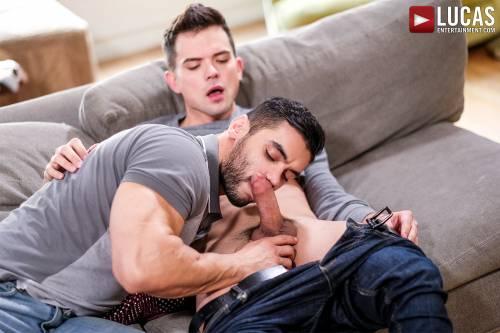 Arad Winwin Passionately Tops Dakota Payne - Gay Movies - Lucas Entertainment