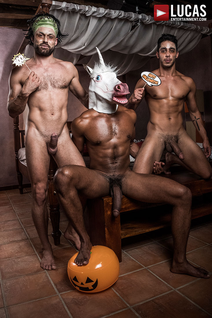 Drae Axtell, James Castle, Sean Xavier | Bareback Halloween - Gay Movies - Lucas Entertainment