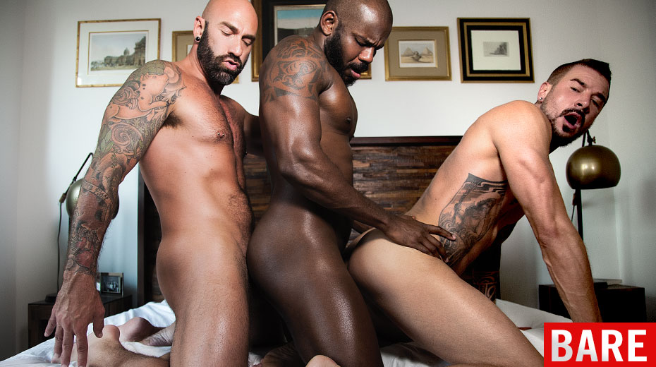 Free gay threesome porn