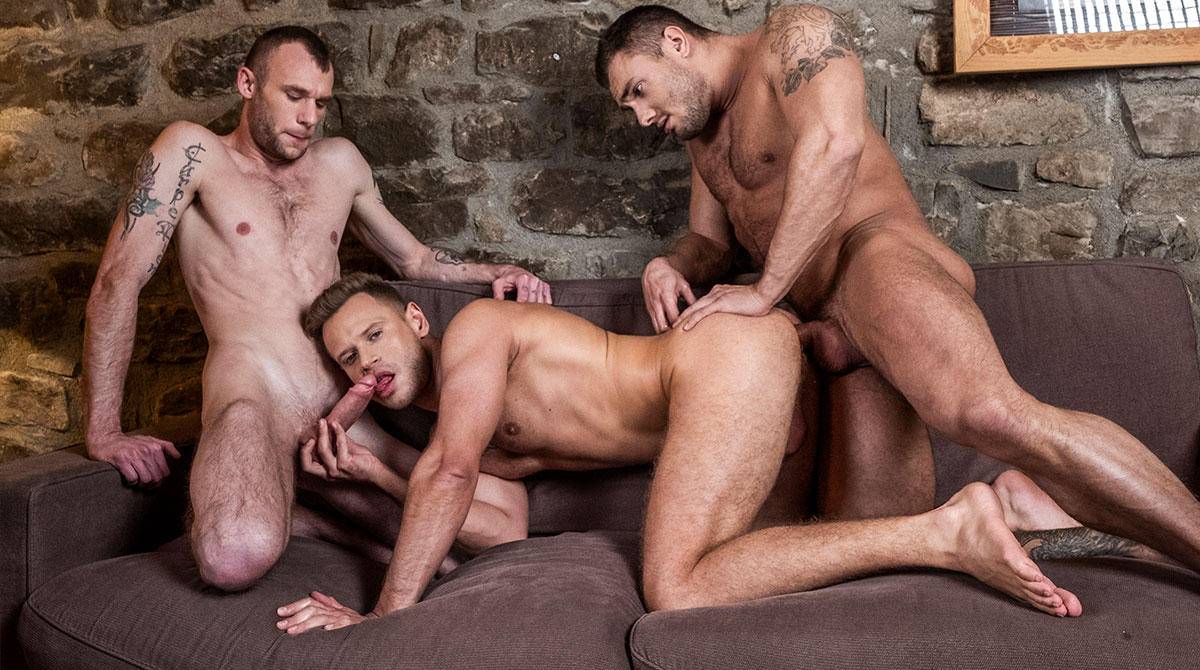 Brock Magnus And Guillaume Wayne Split Yuri Orlov In Two